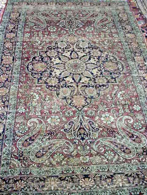 108: ANTIQUE PERSIAN CARPET '