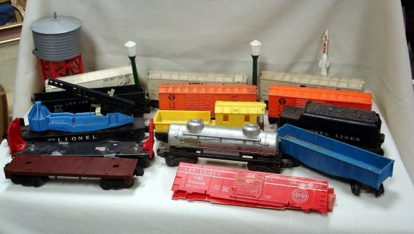 106: GROUP OF LIONEL TRAINS