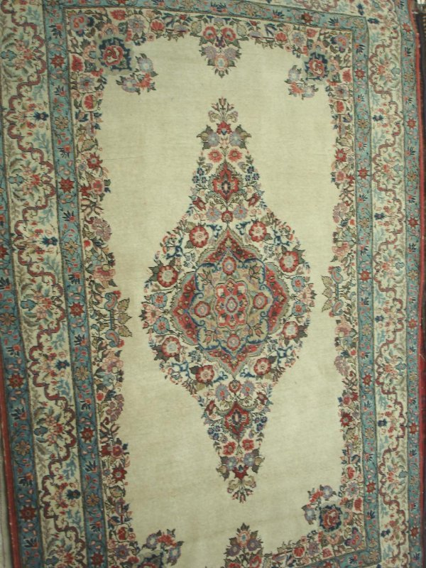 "605: 4'5"" X 7' ANTIQUE HANDMADE PERSIAN RUG"