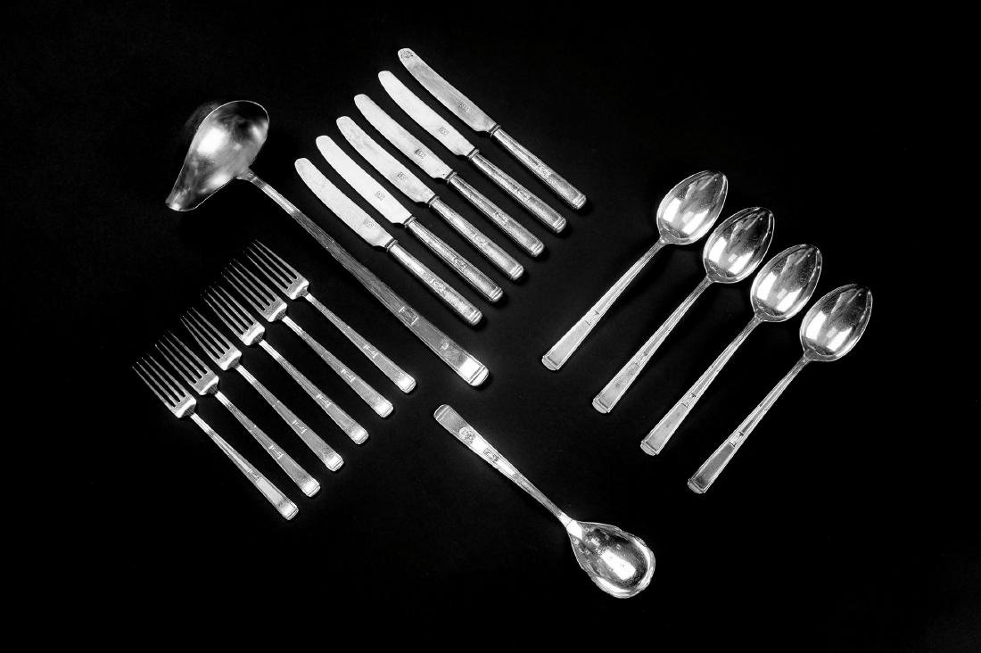 20 pieces of '2000' cutlery, 1901