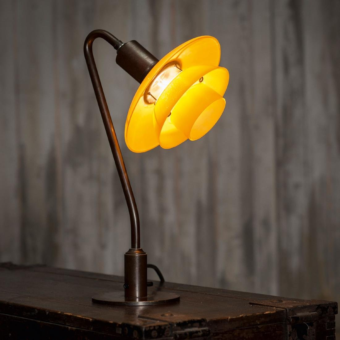 '2/2' table light, 1931
