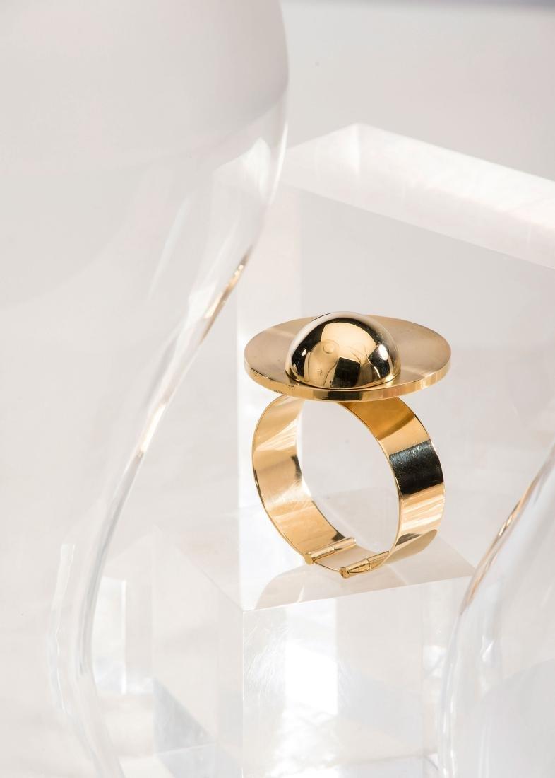 Kinetic bracelet