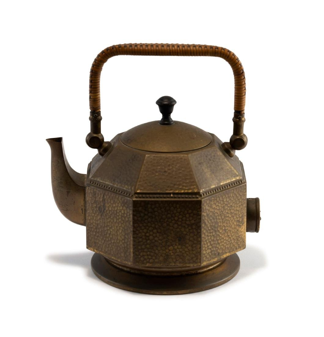 Electric 'P-139' water kettle, 1909