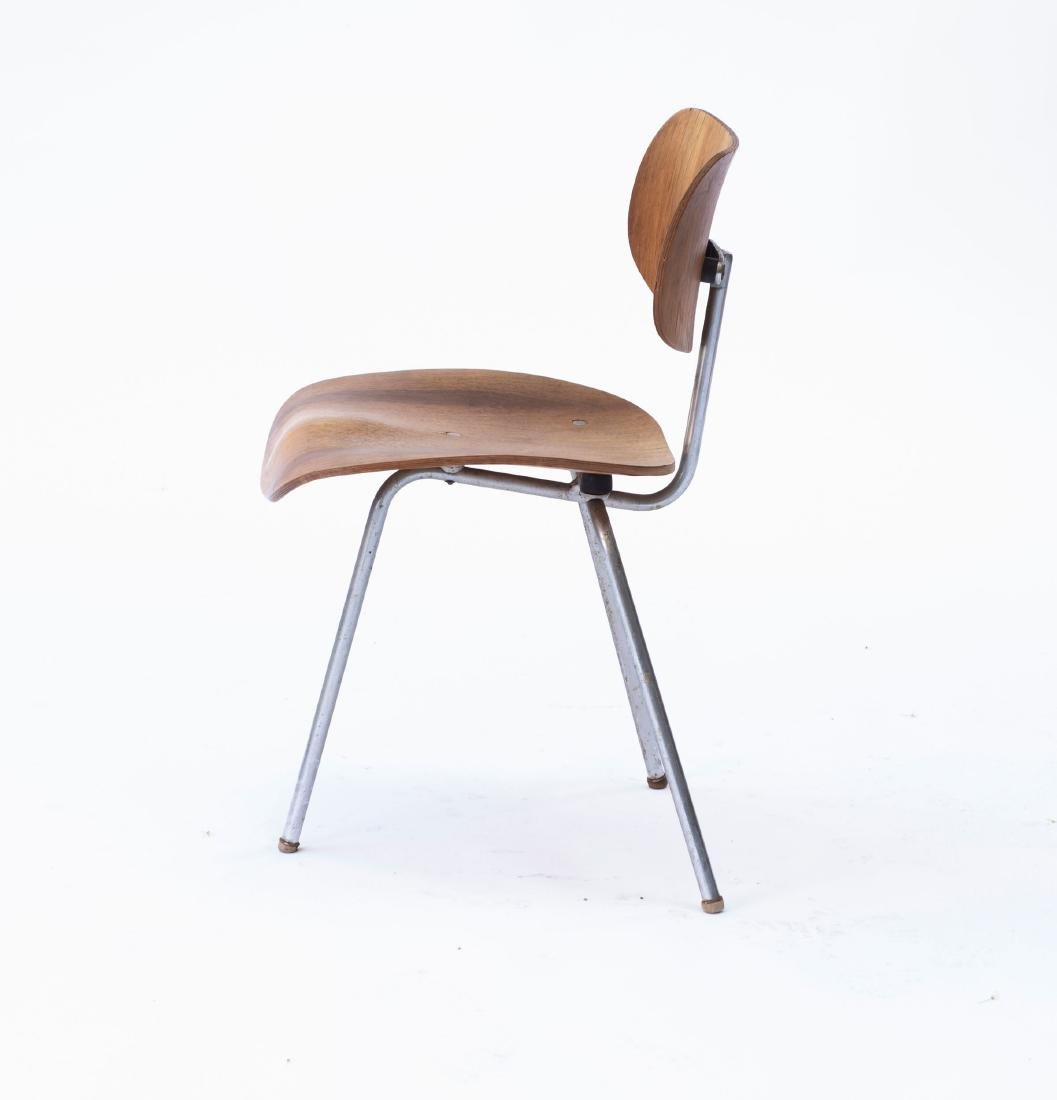 'SE 69' three-legged chair, 1952 - 2