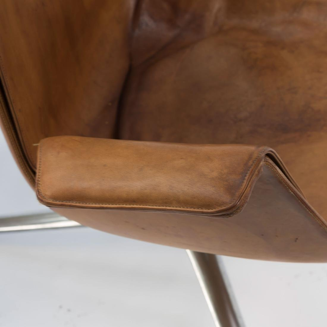 Two highback 'FK 6725' desk chairs, 1964 - 6