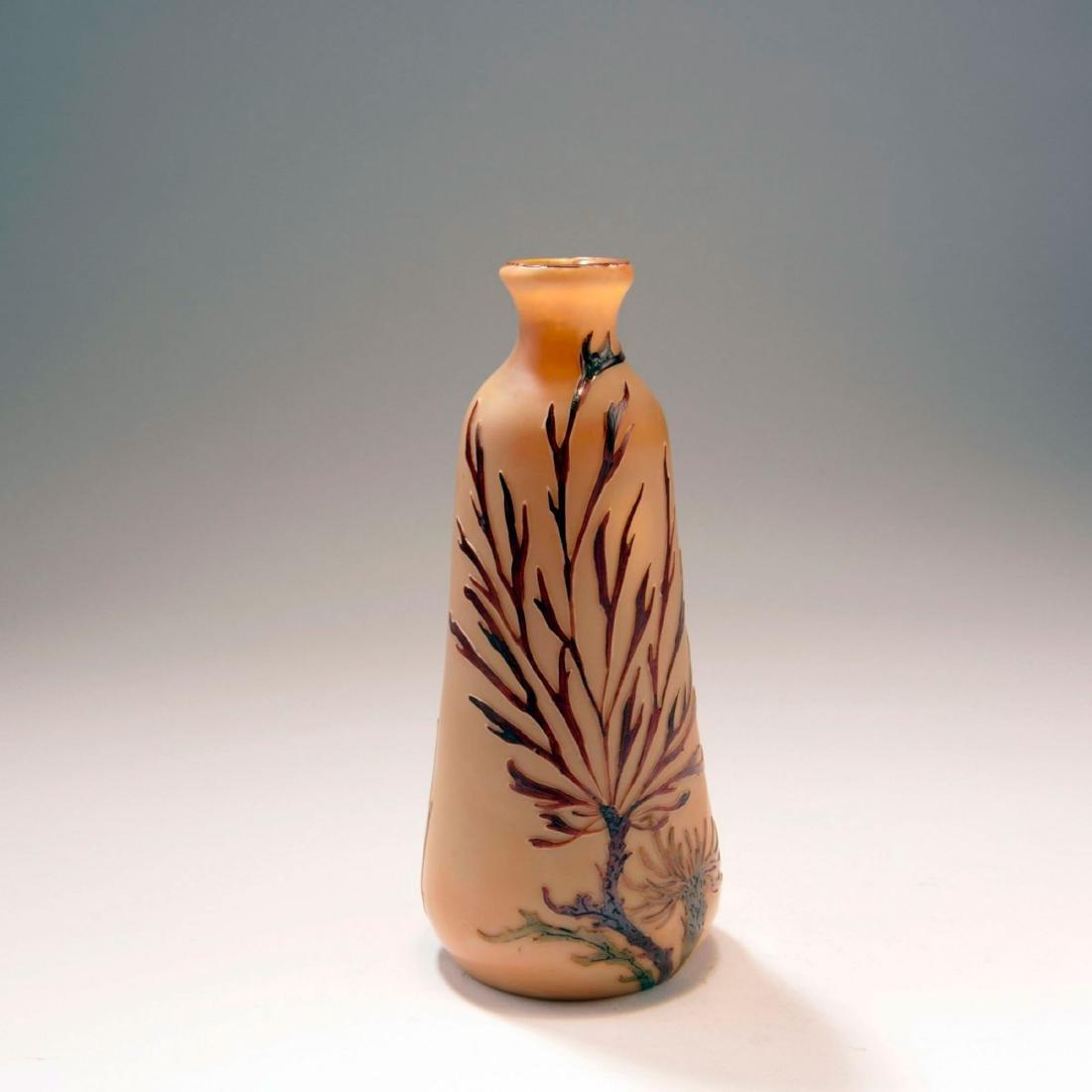 'Chrysanthèmes sauvages' vase, c. 1915