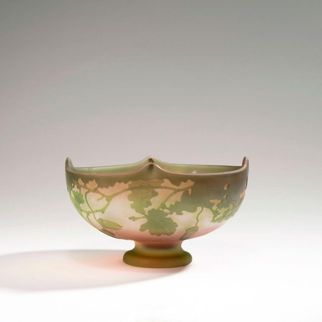 Footed 'Chene' bowl, 1902-04