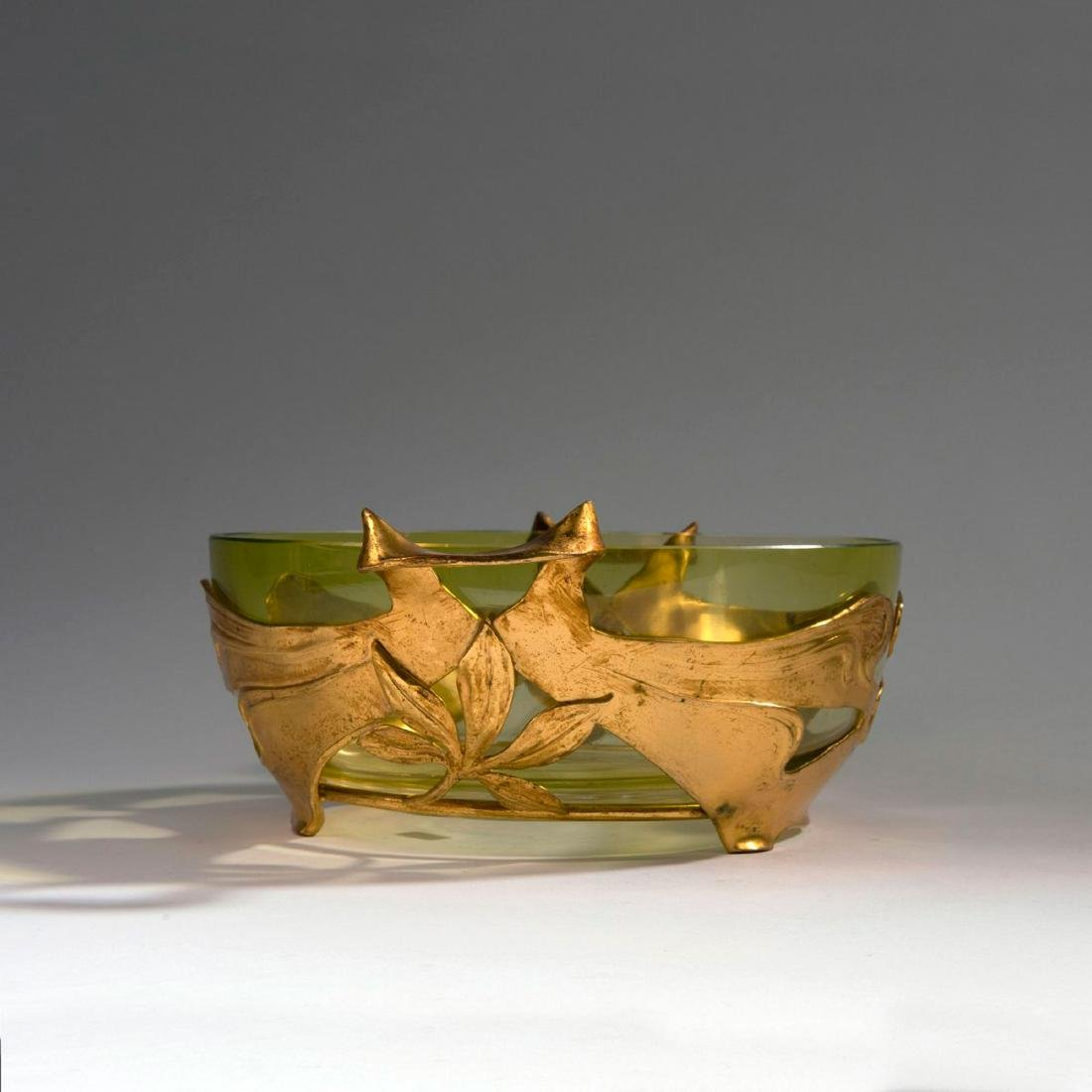 'Chestnut' bowl with two handles, c. 1900 - 3