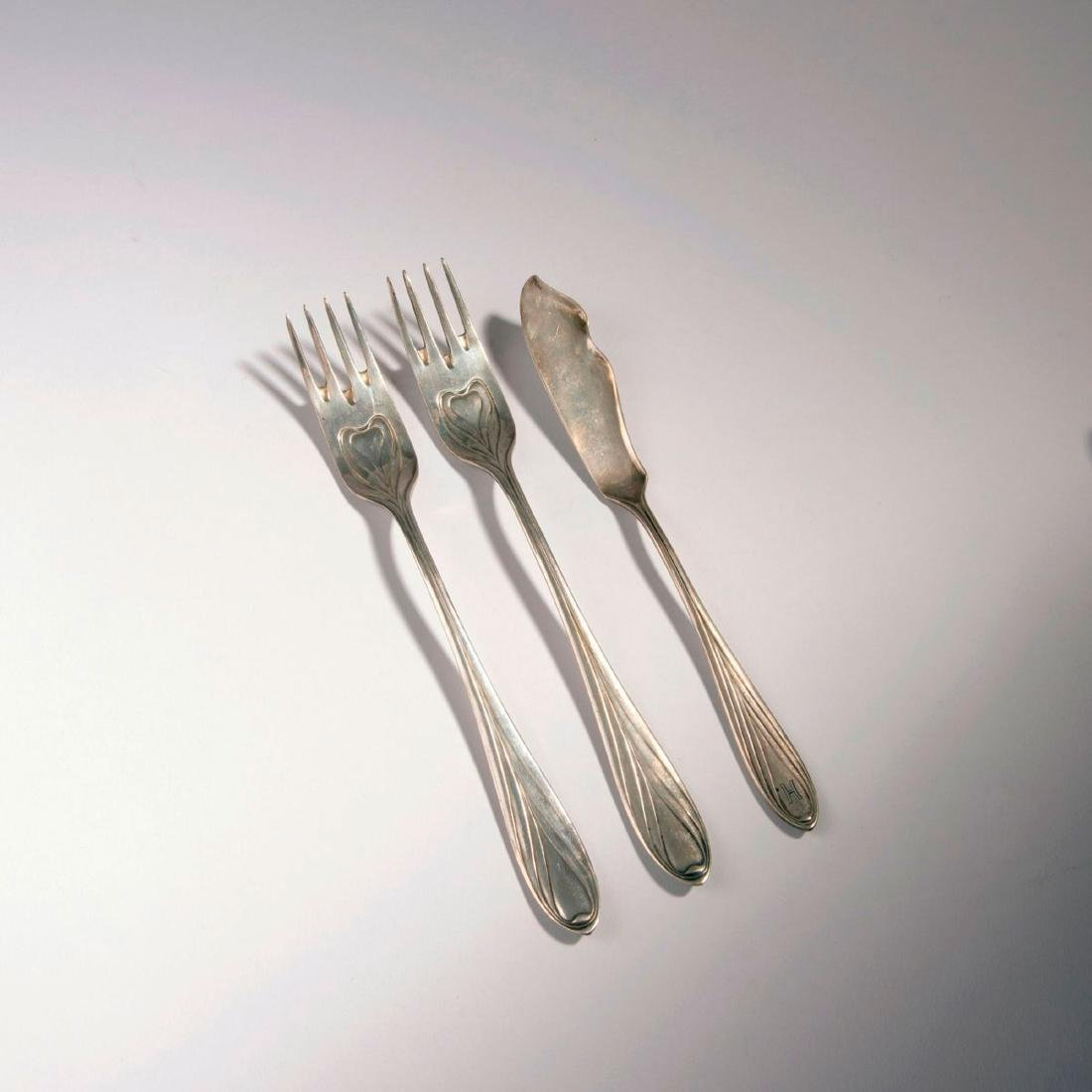 2 forks, 1 fish knife '3001', 1901/02