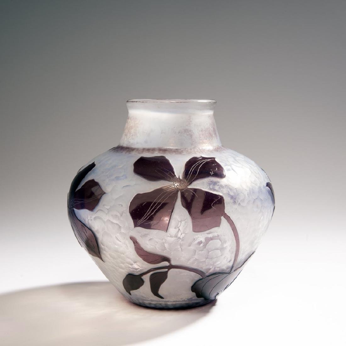Daum Freres, 'Clematites' Martele vase, 1900-02