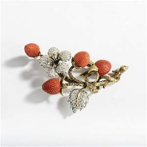 Italy, Pin with strawberries, 1960s