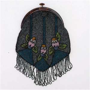 Art Deco bag with stylised flowers, c. 1920