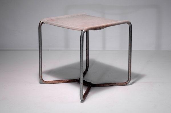 18: Marcel Breuer. 'B 8' stool, designed in 1927. H. 46