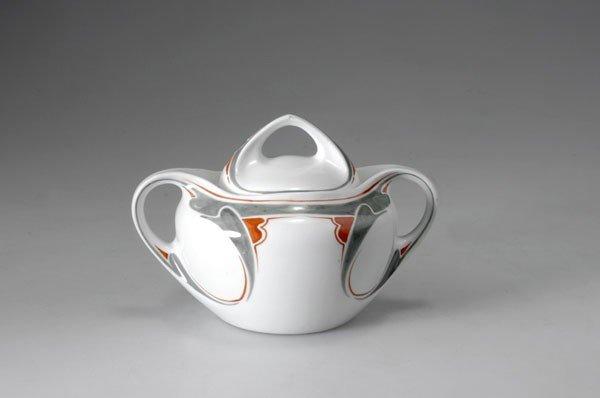 278: Maurice Dufrene. Sugar bowl, 1900-03. H. 12.4 cm.