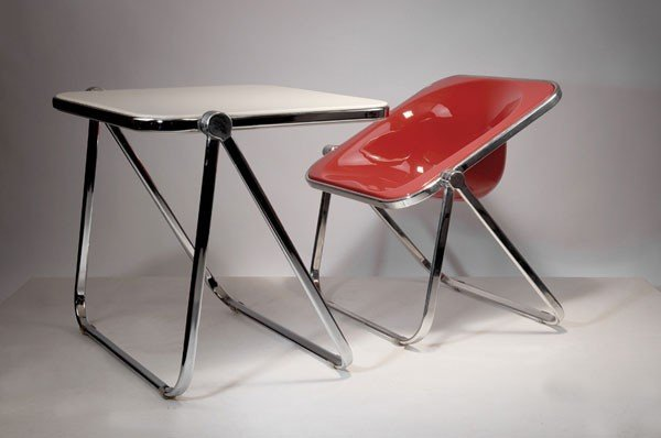 280: Giancarlo Piretti. 'Platone' folding table and 'Pl
