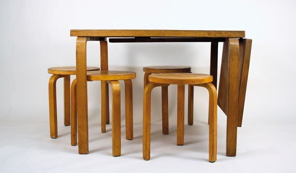 Alvar Aalto. Extensible table and four stools, designed