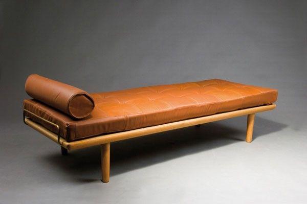 Hans J. Wegner. Daybed, designed circa 1958. H. 42 x 19