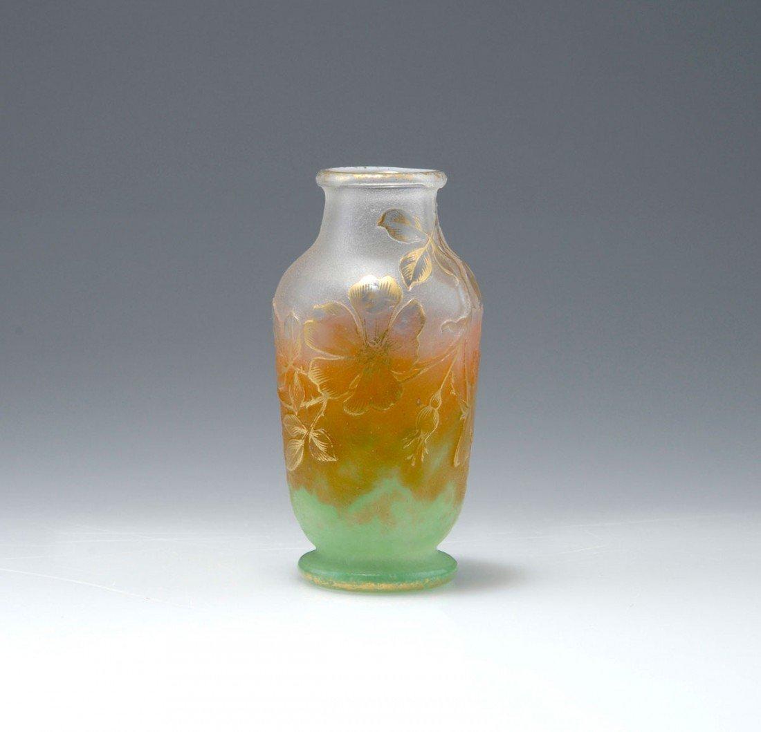 9: Vase 'Eglantine et papillon', um 1898