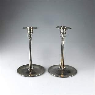 734: Paar Kerzenleuchter 'The Conister', 1899/1900 oder