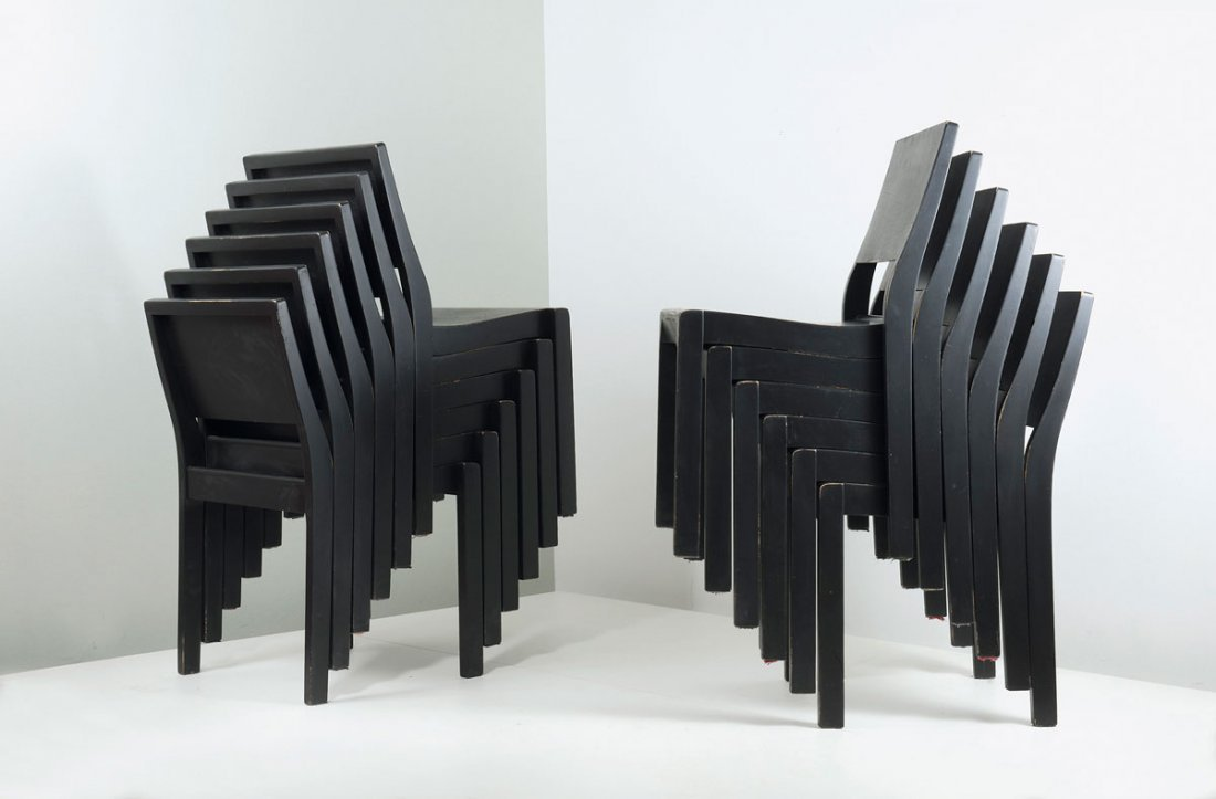 Twelve '611' stacking chairs