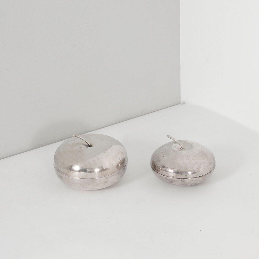 Pair of lidded bowls 'Apple', 1944