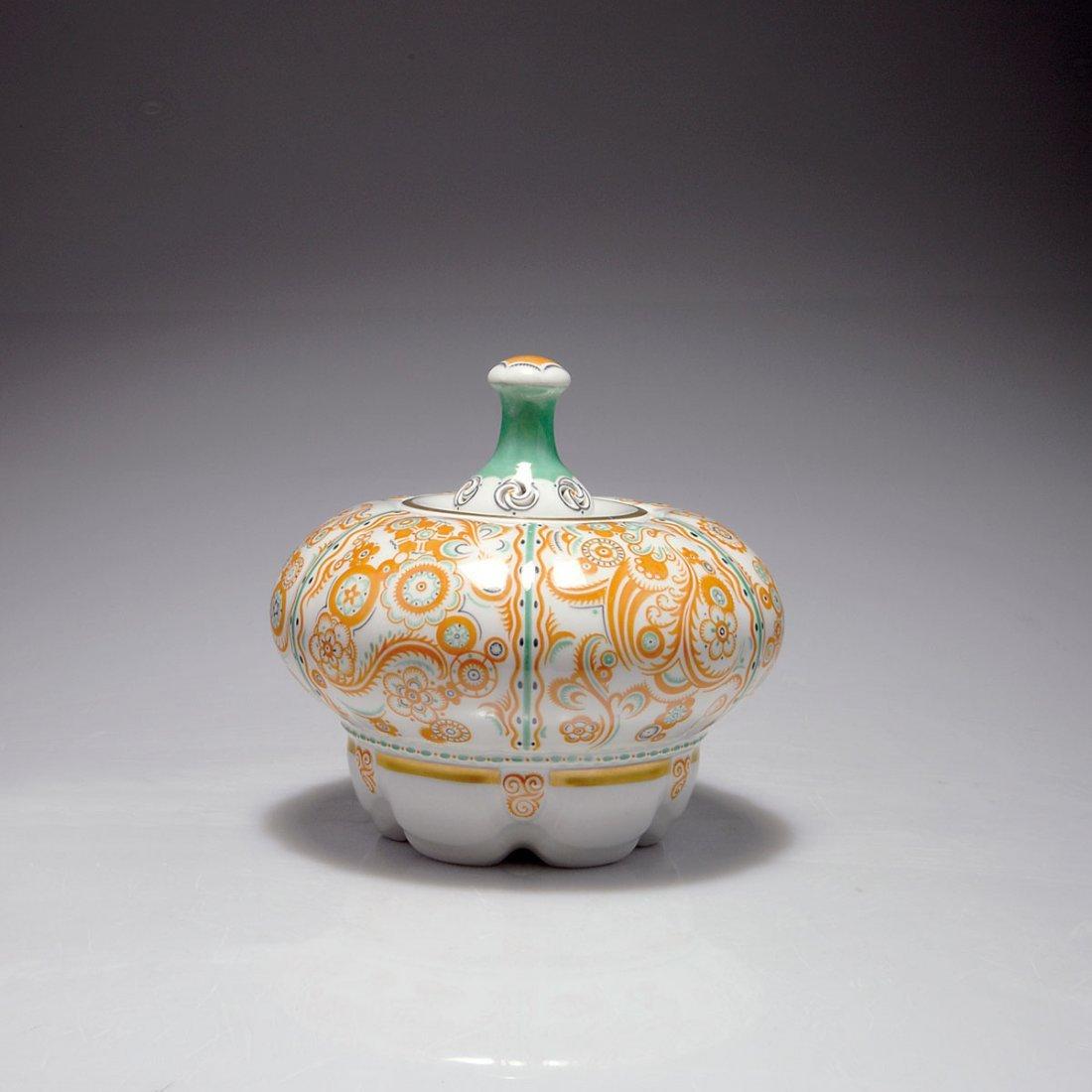 516: Covered jar, 1911