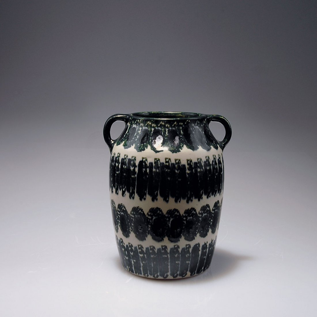 523: Vase with handles, c1912