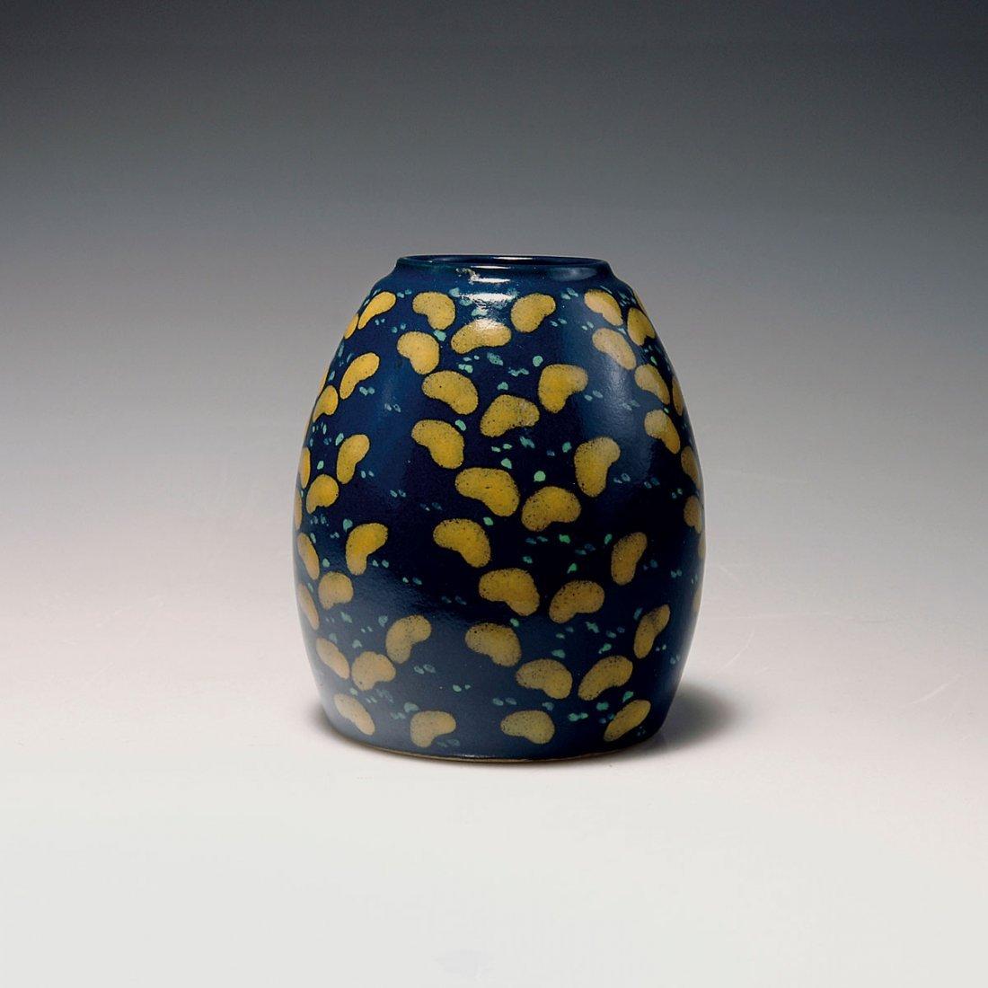 529: Small vase, c1912