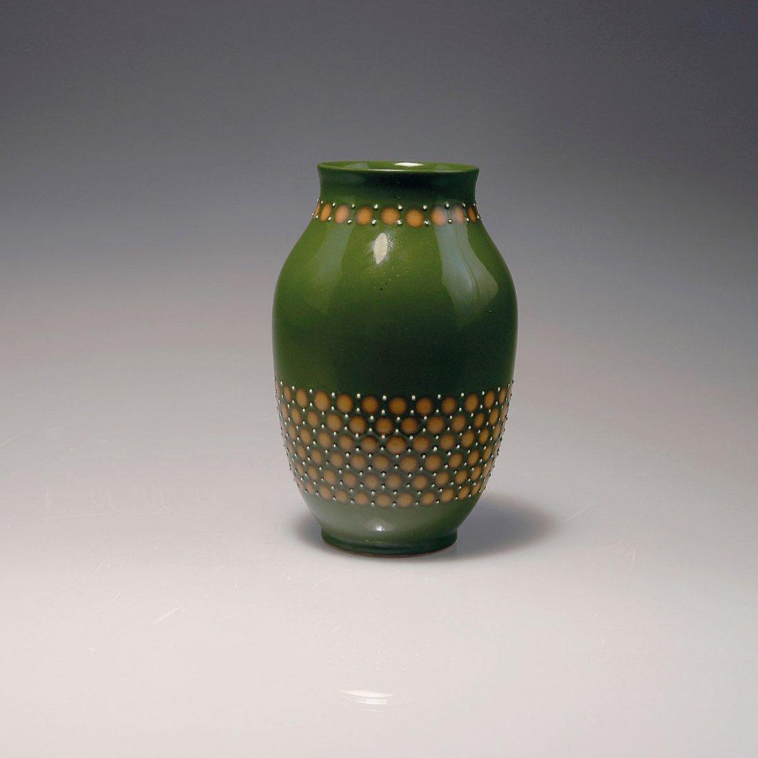 530: Vase, c1915