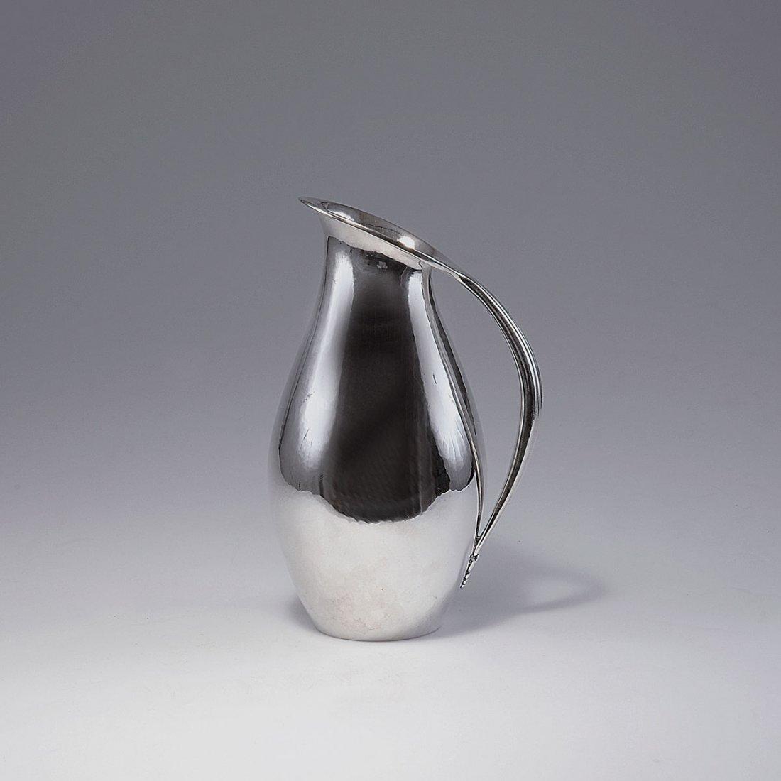 17: '432C' jug, 1920