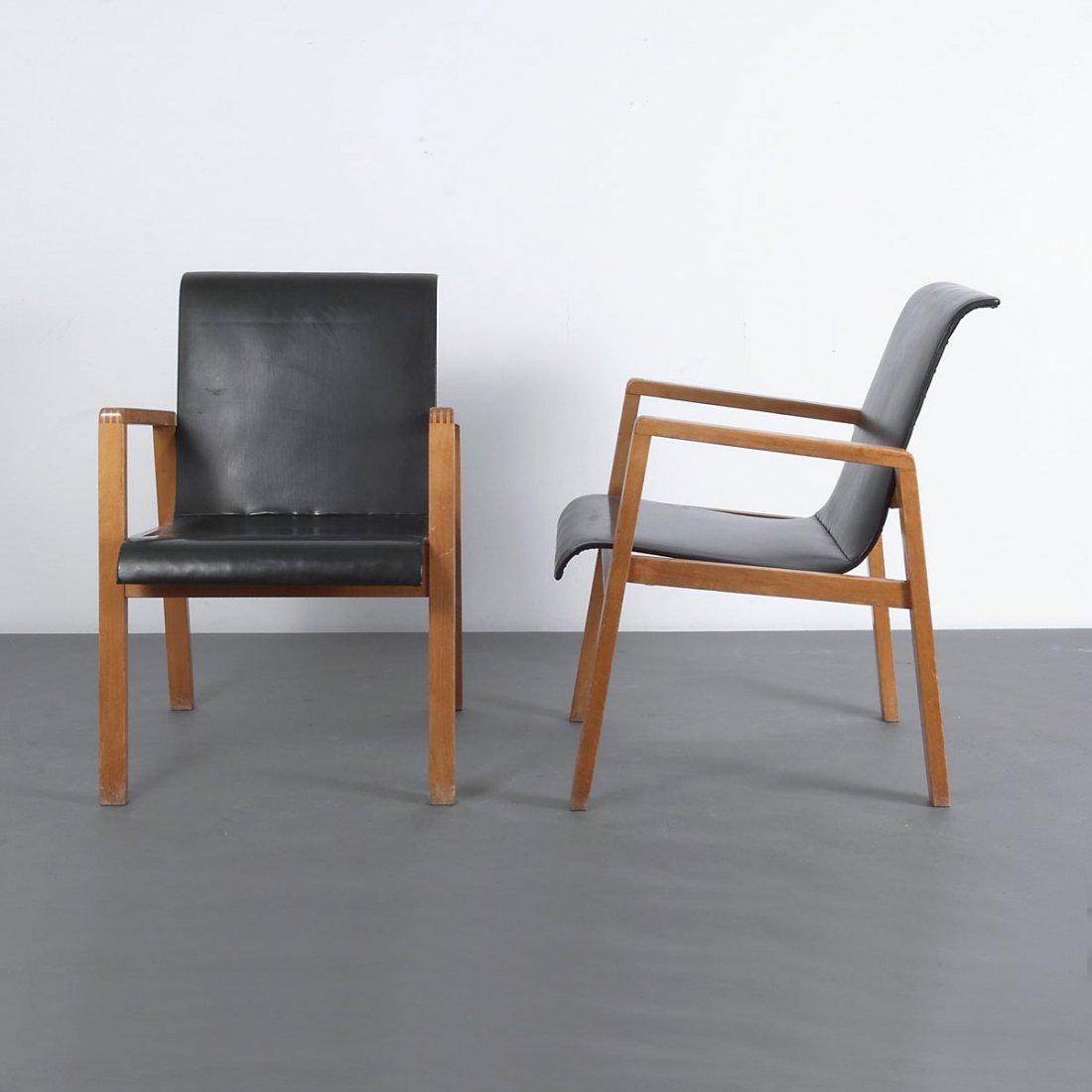 Alvar Aalto. Pair of '403' chairs, 1930-32. H. 76.5 x 5