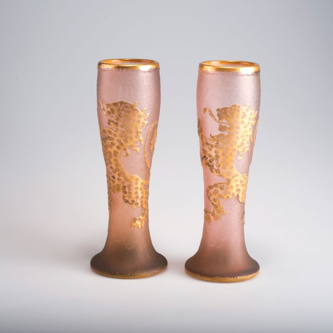 Daum Freres, Nancy. Pair of vases with lion of