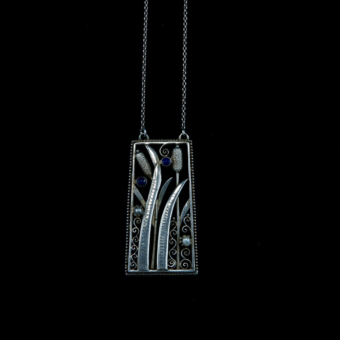Germany. Pendant, 1920s. 5.2 x 2.6 cm. Silver, part