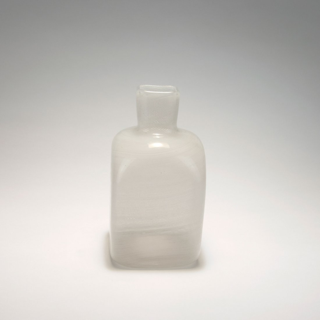 Bottle-shaped 'Mezza filigrana' vase, 1934 - 2