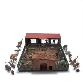 Model of a Zoo building with 26 animals, 1920-40s