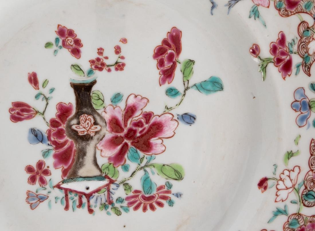 A Chinese famille rose plate, marked Guangxu, 19thC; - 5