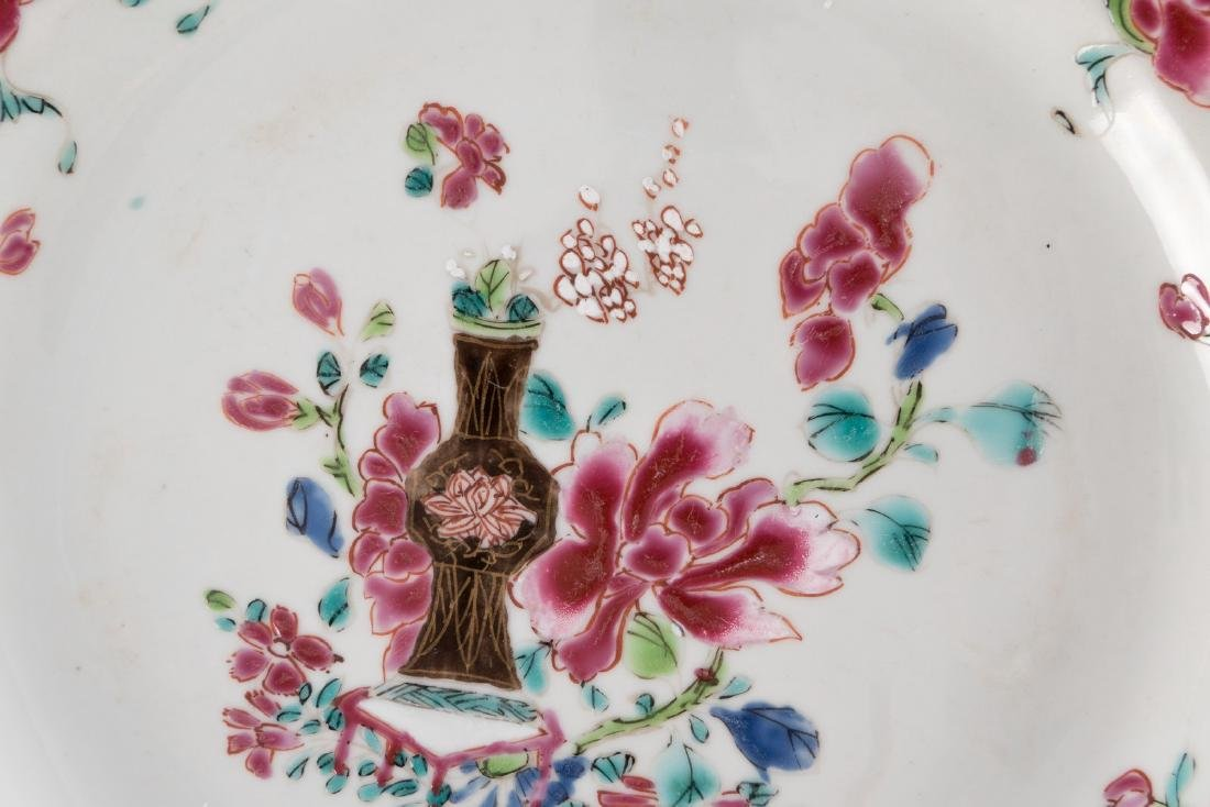 A Chinese famille rose plate, marked Guangxu, 19thC; - 7