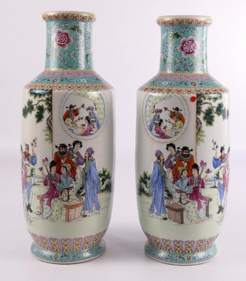 A pair of Chinese famille rose and polychrome rouleau - 2