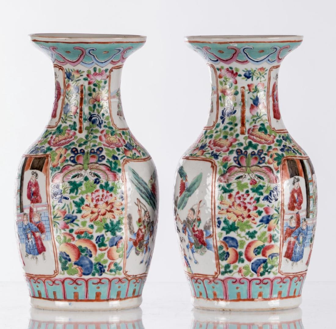 A pair of Chinese famille rose vases, decorated with a - 2