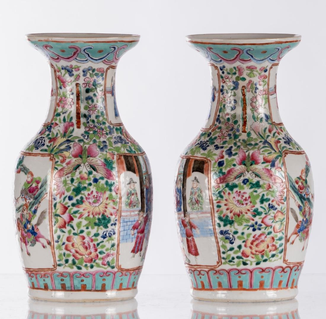 A pair of Chinese famille rose vases, decorated with a - 4