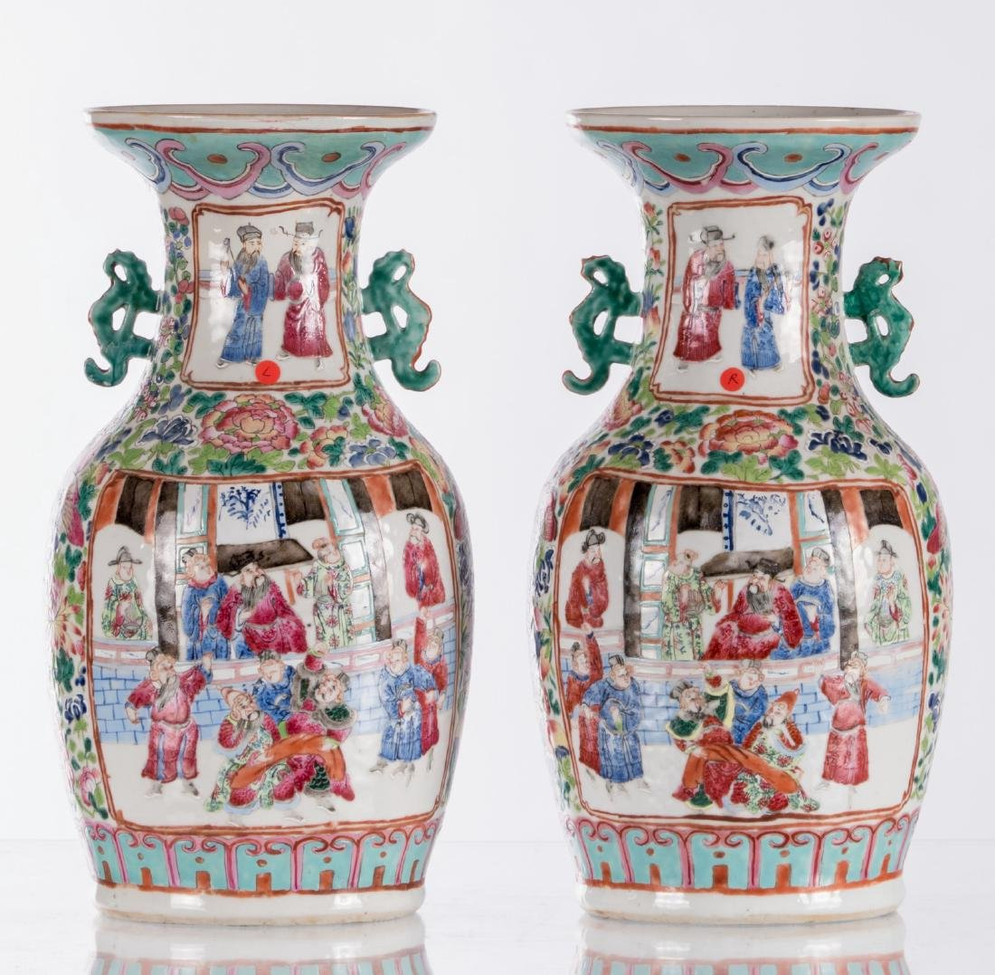 A pair of Chinese famille rose vases, decorated with a - 8