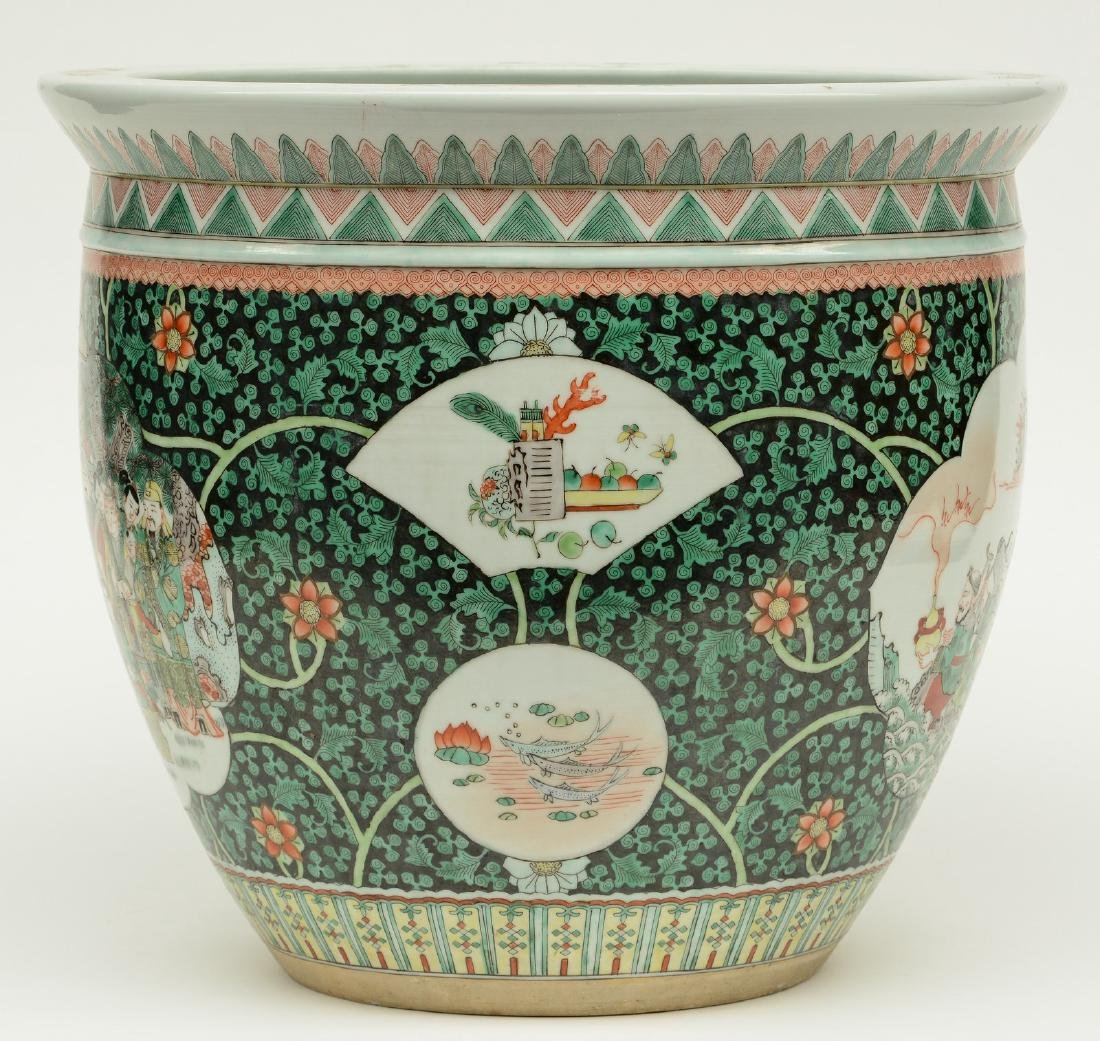 A Chinese famille verte cache-pot, the roundels - 4