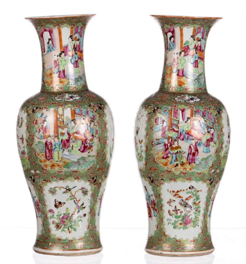 A pair of Chinese Canton famille rose balustre shaped - 3
