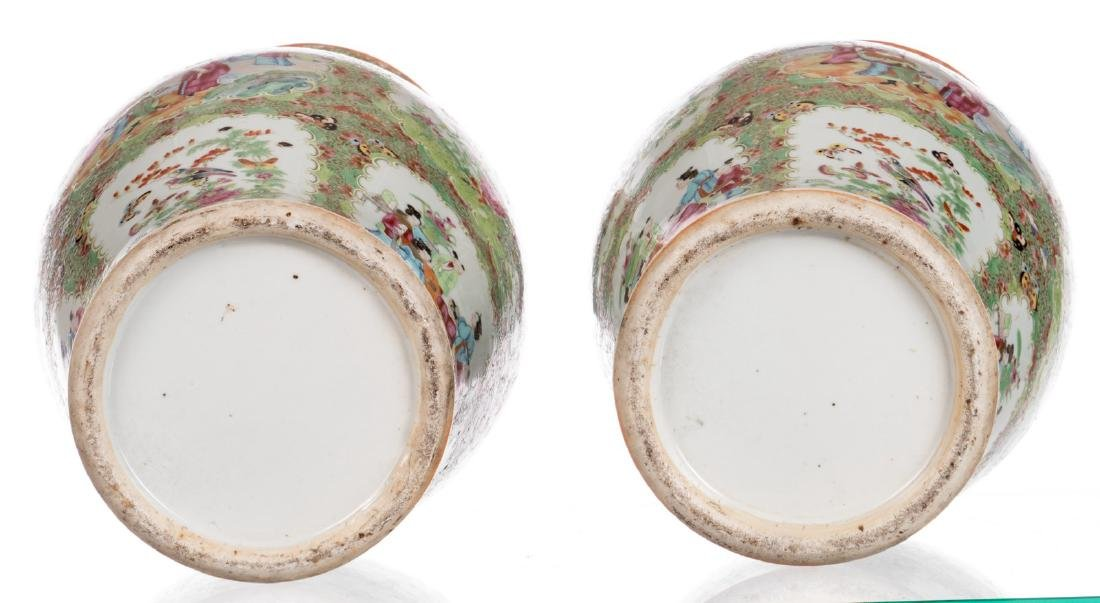 A pair of Chinese Canton famille rose balustre shaped - 6
