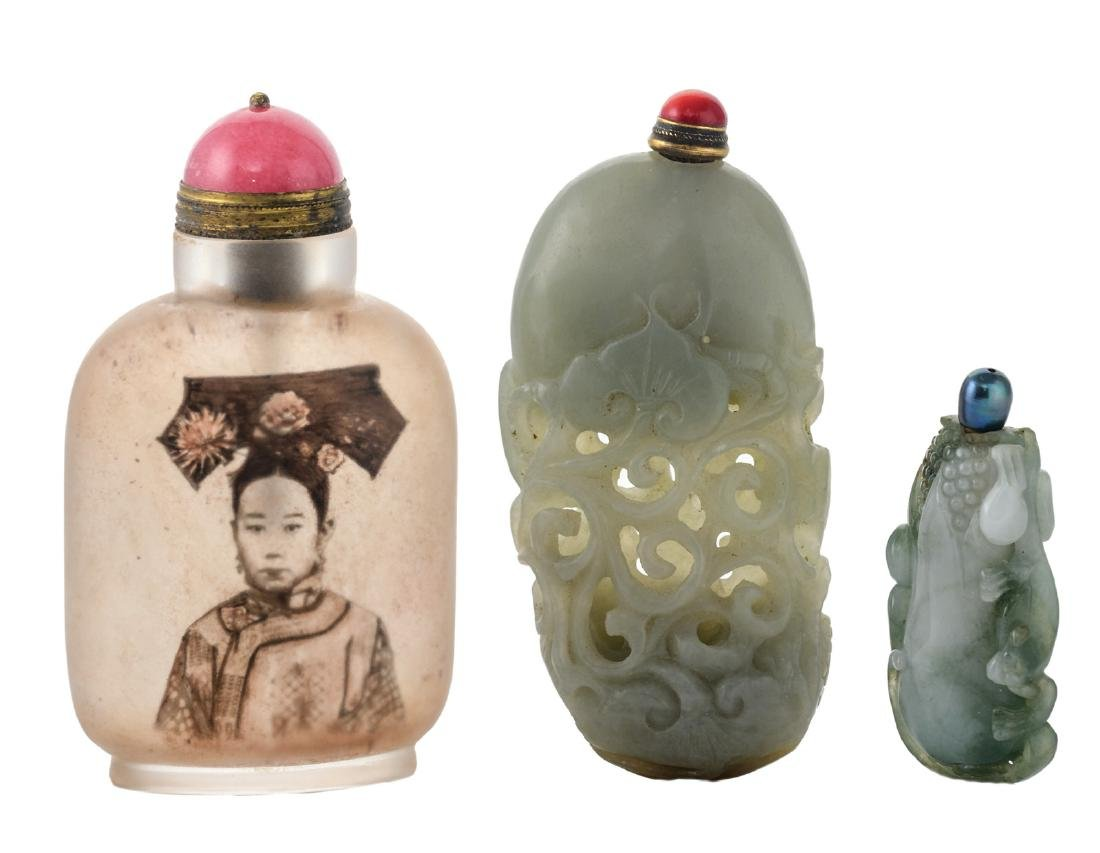 Two Chinese relief and open work carved jade snuff