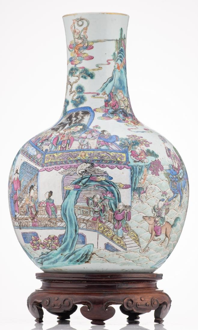 A Chinese famille rose bottle vase, decorated with - 4