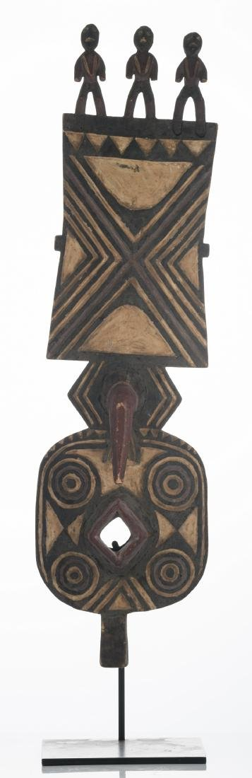 A traditional polychrome decorated African wooden - 2