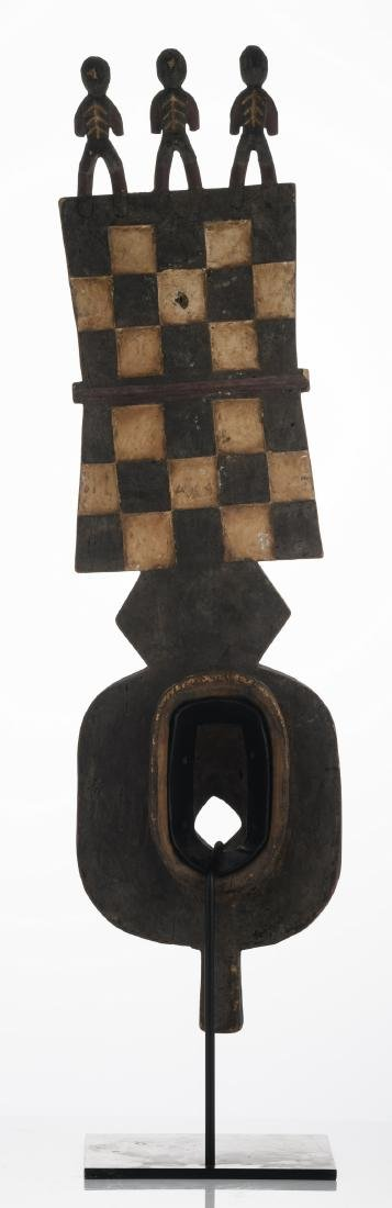 A traditional polychrome decorated African wooden - 4