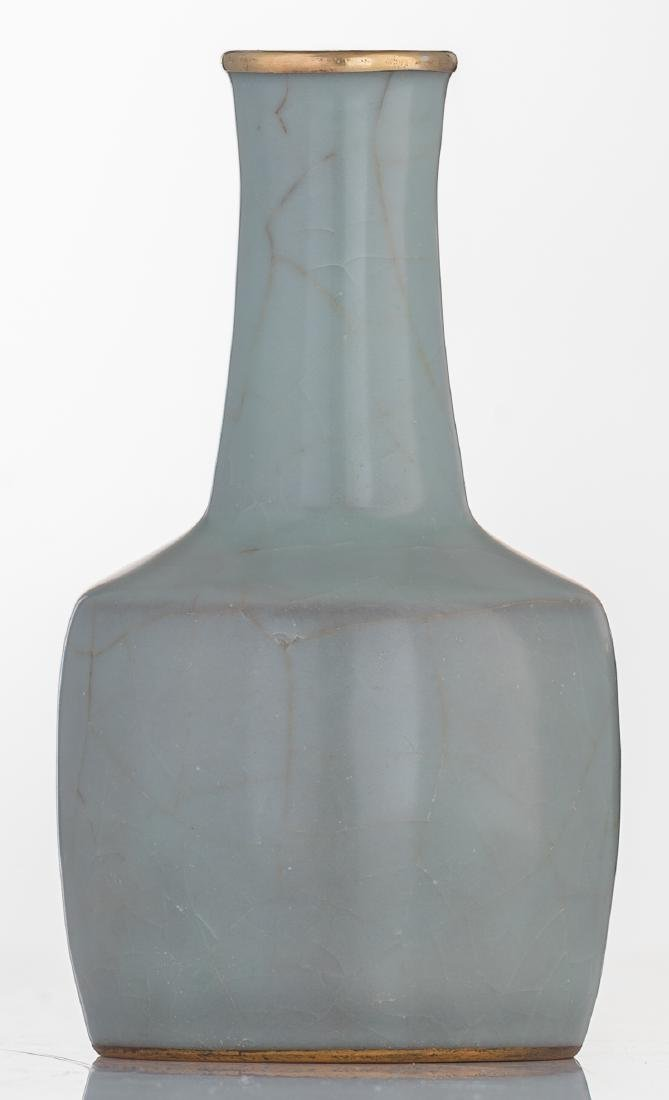 A Chinese celadon crackleware mallet shaped vase with - 3