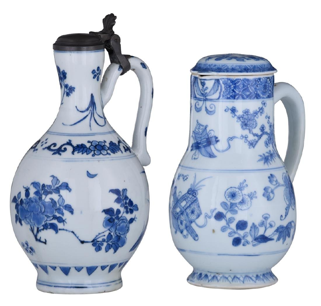 A lot of a Japanese Arita blue and white jug with